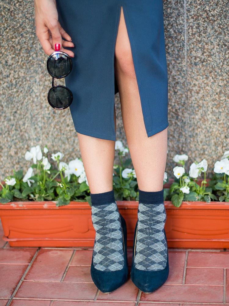 fashion blogger diyorasnotes lookoftheday midi dress navy socks heels white blouse%2B%252825%2B%25D0%25B8%25D0%25B7%2B25%2529 - NAVY DRESS, HEELS AND SOCKS