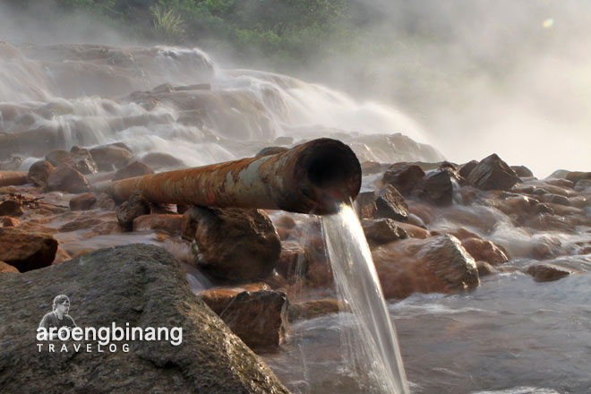 air panas anak gunung kelud kediri