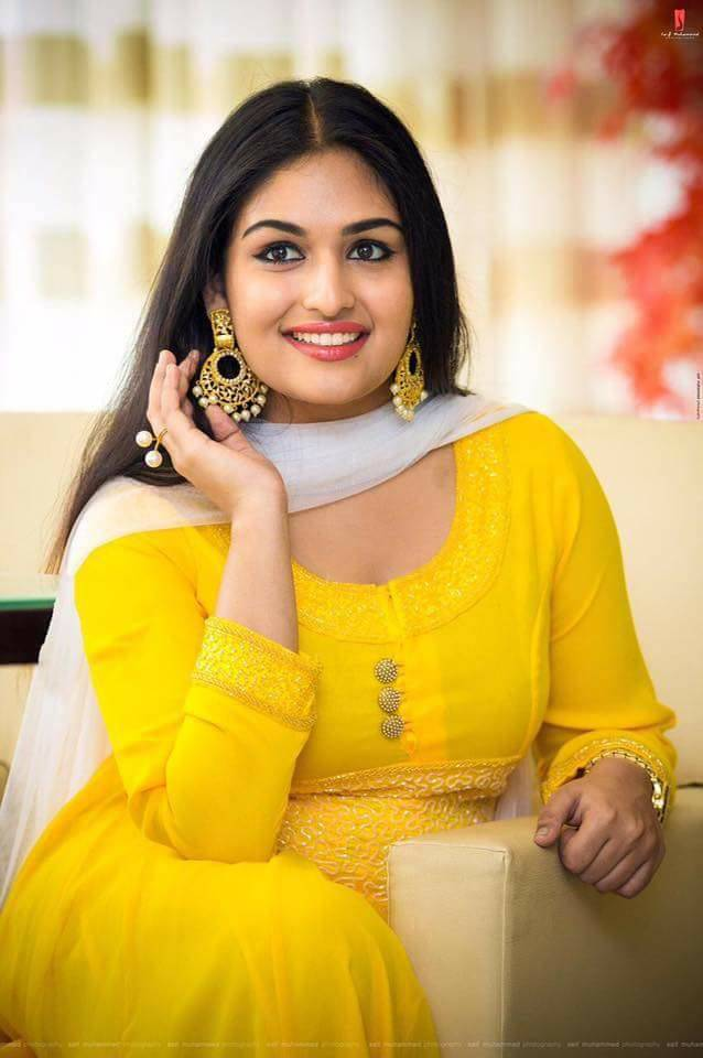 prayaga martin in yellow   south indian actress