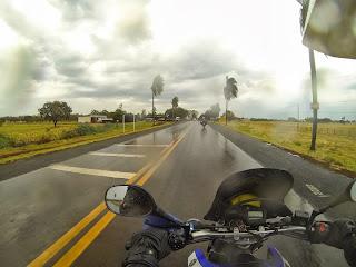 Saímos com tempo chuvoso de Campo Grande / MS.