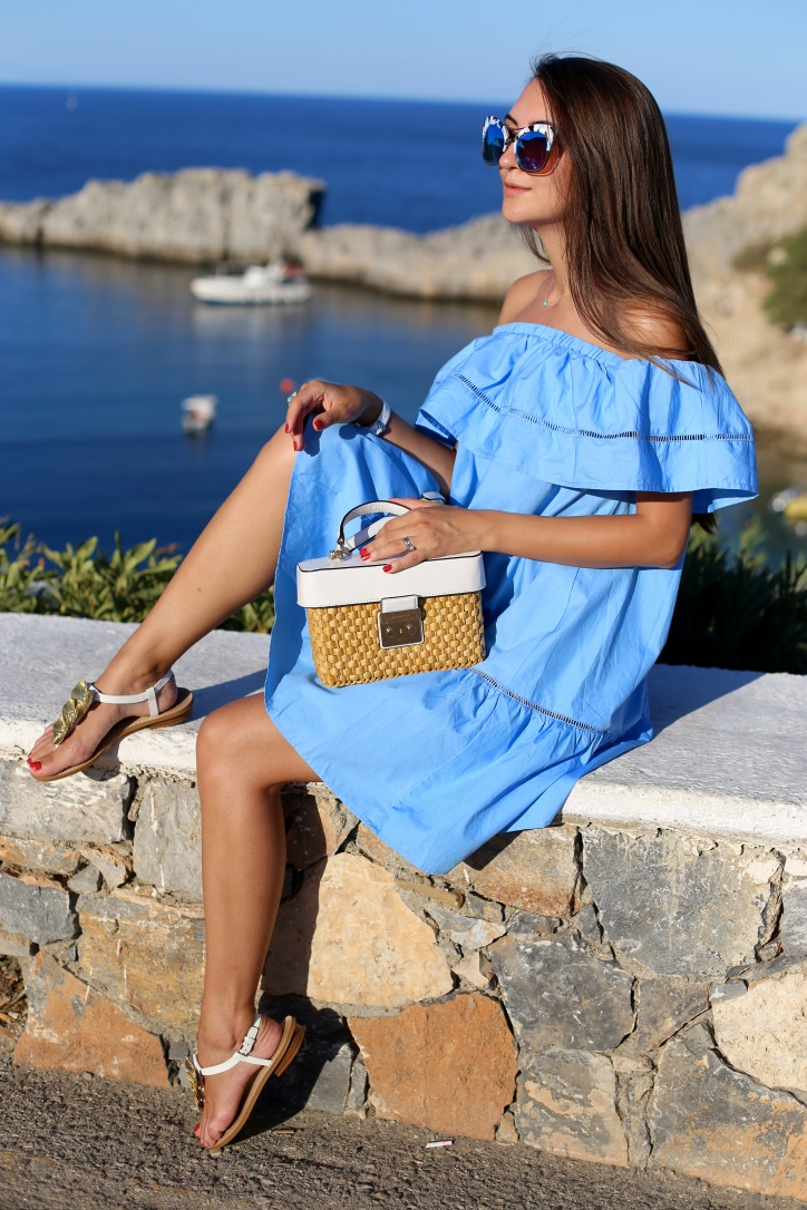 holiday look , blue bell dress