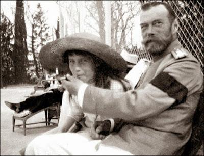 fotos raras: czar nicoláu II com sua filha anastasia.