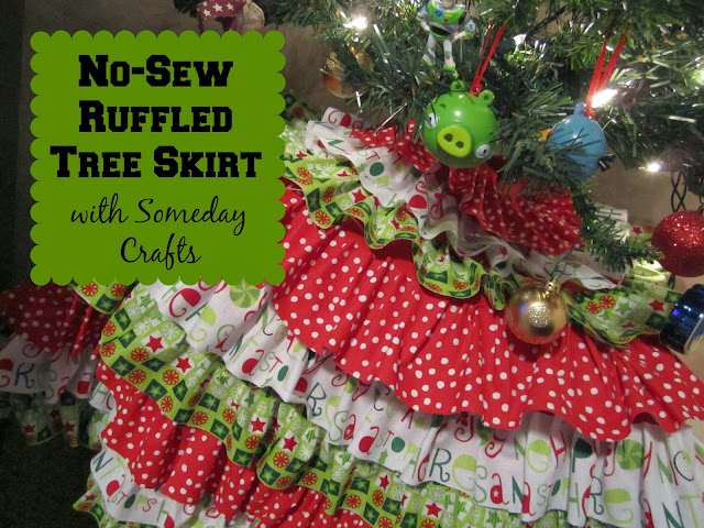http://www.skiptomylou.org/2013/12/21/no-sew-ruffled-tree-skirt/