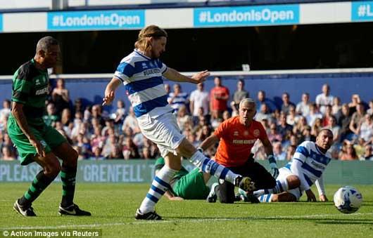 Chết cười xem Mourinho xỏ găng bắt gôn 3