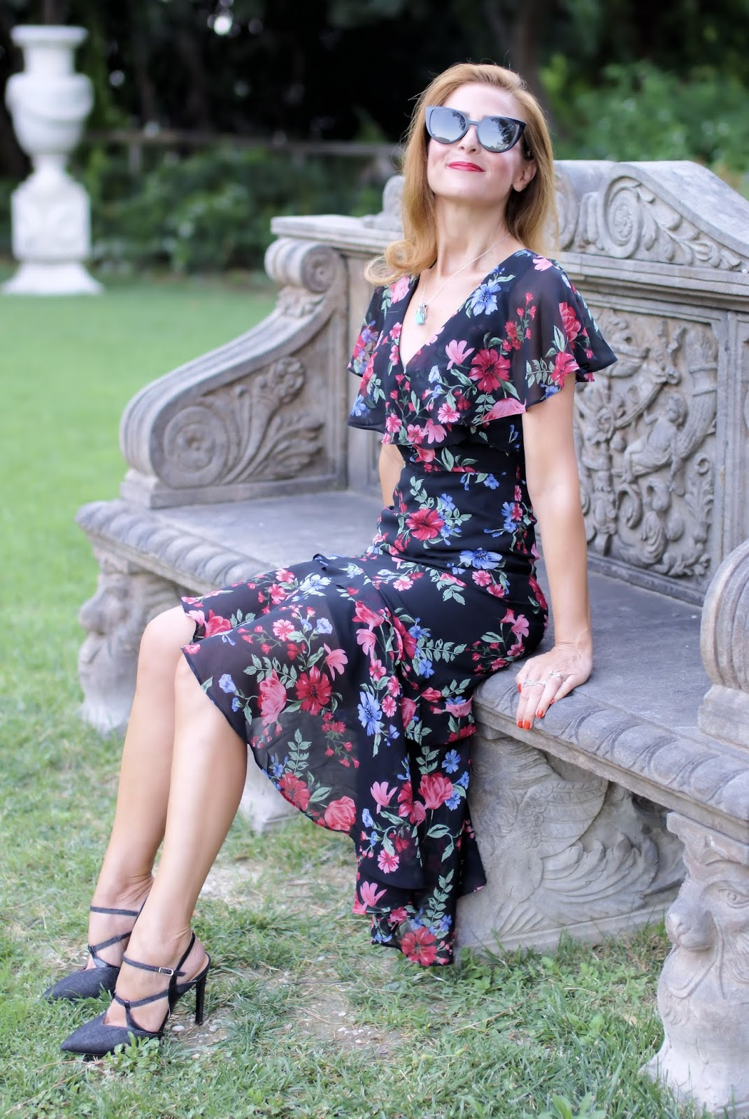 Floral chiffon dress with ruffled hem on Fashion and Cookies fashion blog, fashion blogger style