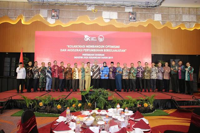 Pertemuan Tahunan Industri Jasa Keuangan Kalimantan: Gubernur Minta TPAKD Aktif Bantu Masyarakat