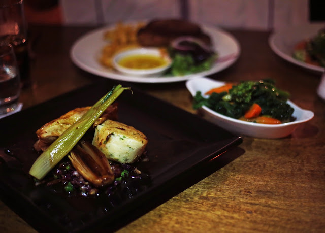 The Baths Arms at Longleat Safari Park Dinner Food Review