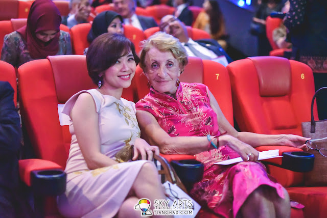 "Photo 4. (L-R) Captivating smile from GSC CEO, Ms Koh Mei Lee with Ms Elizabeth Galland before the screening of the launch movie ""Caprice"" at the Le French Festival 2016."