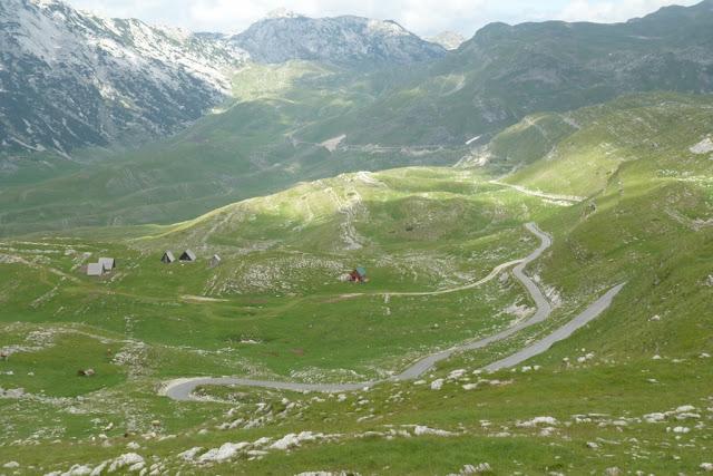 Montenegro, NP Durmitor, weggetje door nauwelijks bewoond deel