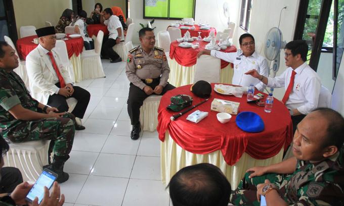 IYL Buat Bupati dan Wakil Bupati Enrekang Kembali Pamer Kemesraan