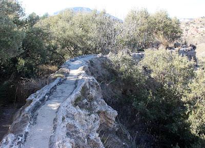 Acueducto natural. Acequia del Toril. Guadix