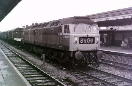 Class 47 in two tone green