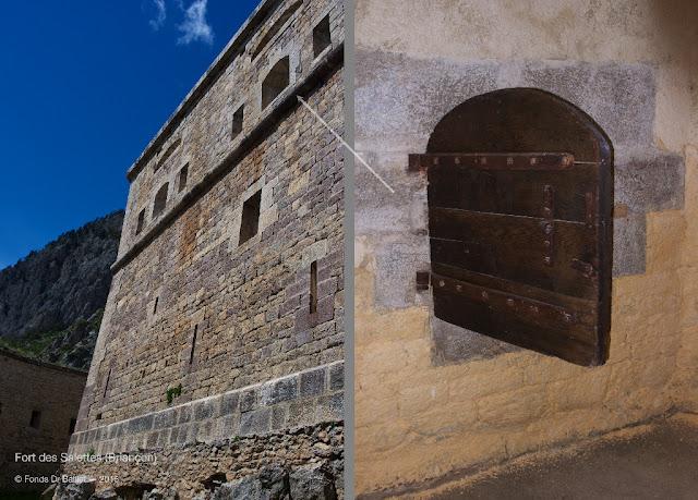 Fort des Salettes (Briançon) — Redoute à deux étages. À droite : volet d'embrasure.