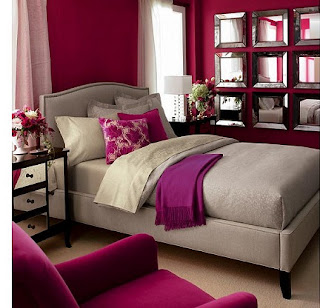 dormitorio decorado con  fucsia