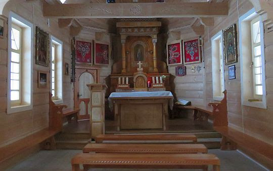 Wnętrze kaplicy na Wiktorówkach.