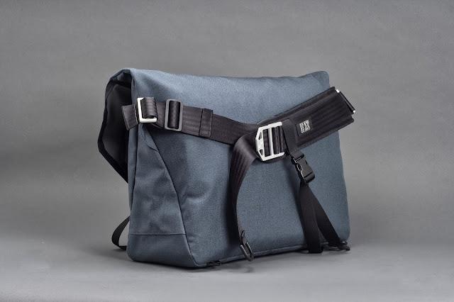 messenger bags: HAWK L