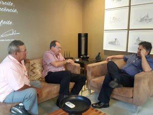 Cássio Cunha Lima conversa com prefeito de Pocinhos e afirma que PSDB e PTB caminharão juntos nestas eleições