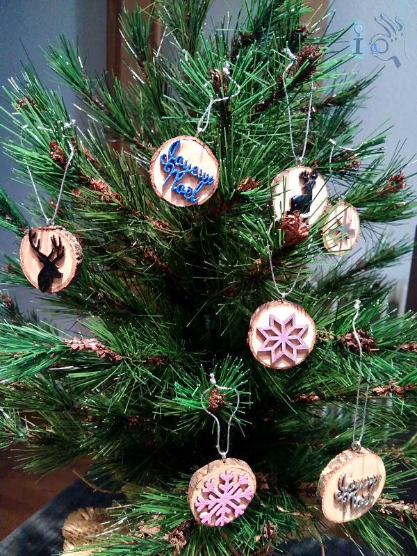 arbol-Navidad-adornos-madera-Ideadoamano-5