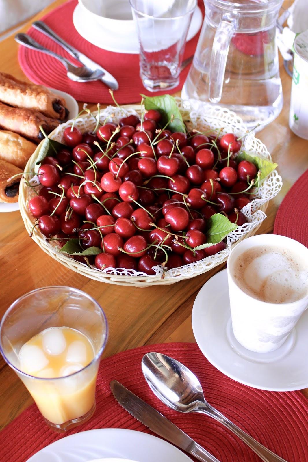 Frische Kirschen - ein Gastgeschenk von den Besitzern der Villa Hill View