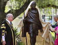 President Kovind, Australian PM Unveil Gandhi Statue in Sydney