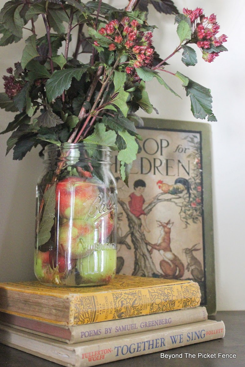 Fall Mantel http://bec4-beyondthepicketfence.blogspot.com/2014/09/easing-into-fall-mantel.html