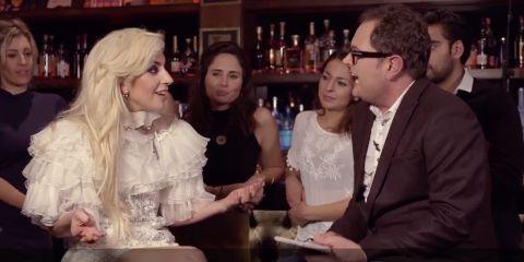 lady gaga canta million reasons in un pub inglese, video