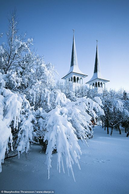 Five Places to See Snowfall in this Winter | Háteigskirkja in Reykjavik