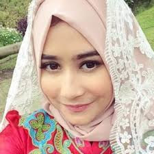 Prilly Latuconsina Batasi Pekerjaan Di Bulan Ramadan, Konsen Ibadah