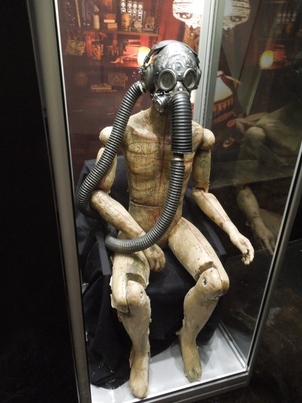 Insidious 2 Gas mask mannequin prop