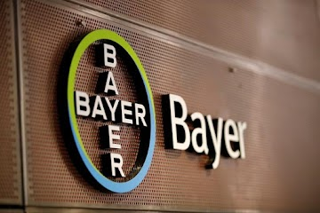 Bayer tentando convencer o público que o glifosato é 'seguro', marketing enganoso exposto