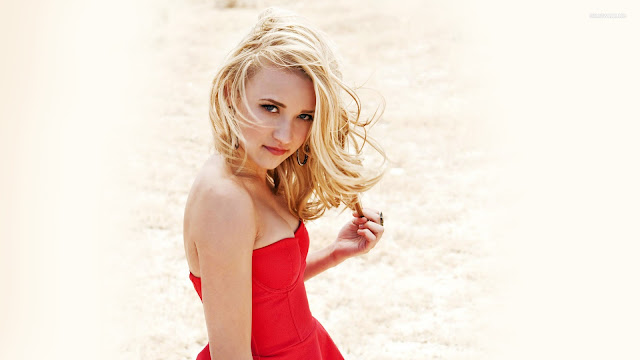 Emily Osment HD Wallpapers Free Download