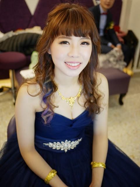 台北新秘 | 台北新秘推薦 | 台北新娘秘書 |  敬酒造型2018 | 新娘造型2018 |  放下來的造型 | 送客造型2018 | 藍色禮服造型