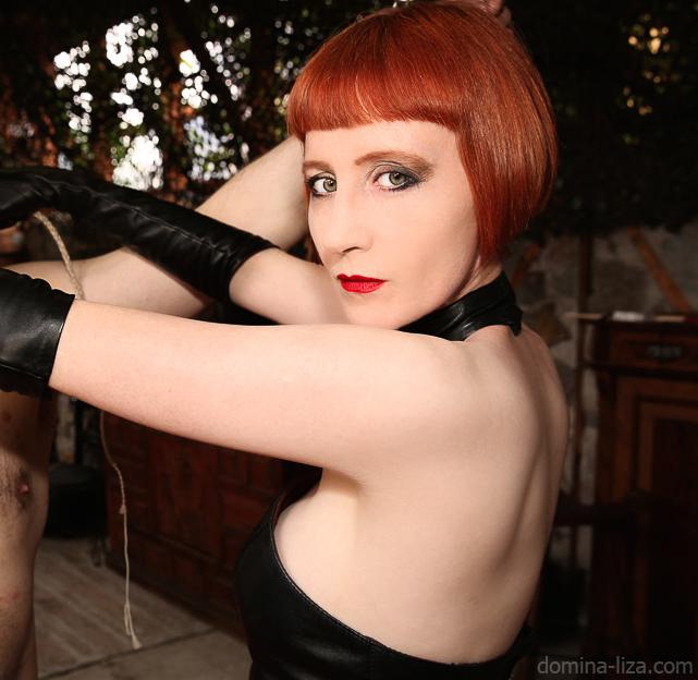 Blog domination female-2243