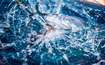 Wallpaper: Shattered Windshield