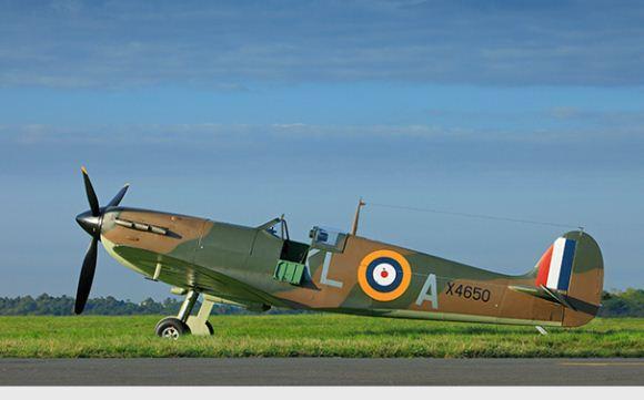 Supermarine Spitfire pesawat tempur 1 kursi Inggris