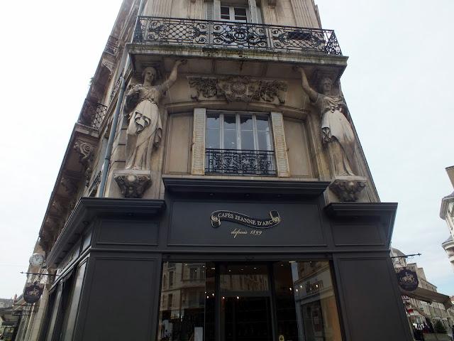 detalles de las fachadas de Orléans