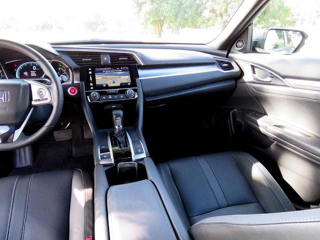 Novo Honda Civic 2017 Touring - espaço dianteiro