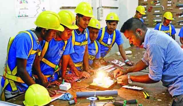 কারিগরি শিক্ষার সুফলে বেকাল সমস্যার পাশাপাশি বদলে যাচ্ছে বাংলাদেশ
