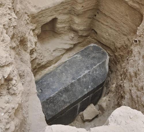 Σαρκοφάγος της πτολεμαϊκής περιόδου βρέθηκε άθικτη στην Αίγυπτο