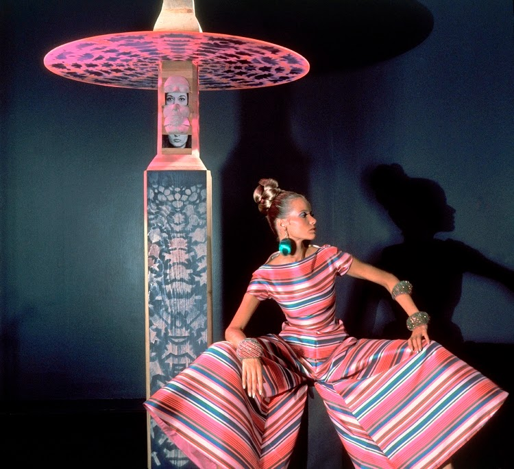 Beautiful 1960s Fashion Shots From Vogue Vintage Everyday