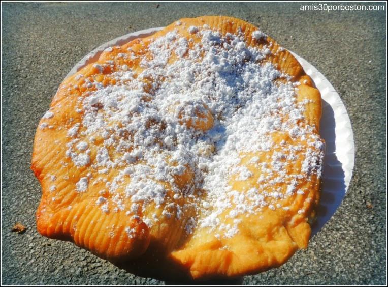 Cosecha De Arándanos en Wareham: Fried Dough