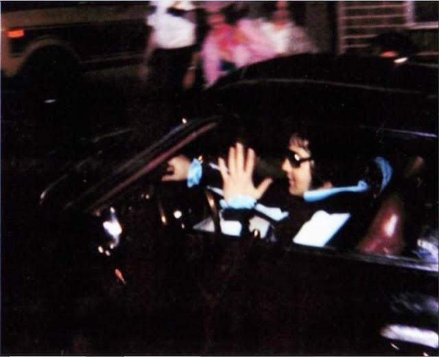 Fotografías de Elvis Presley con sus coches
