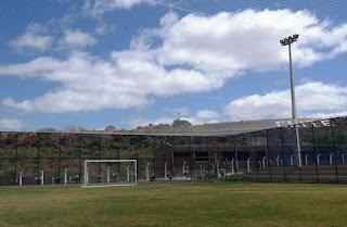Instalada rede de proteção total no campo de Futebol Society do CES