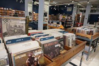 Mono and Stereo High-End Audio Magazine: Chicago Vinyl stores!