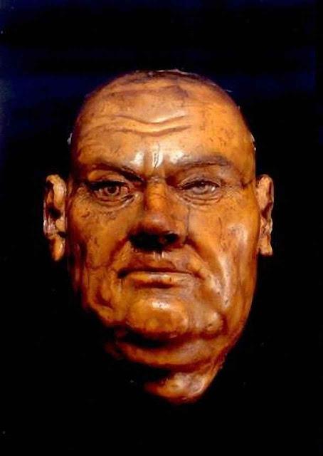 Máscara mortuária original de Martinho Lutero na Igreja do Mercado, Halle, Alemanha