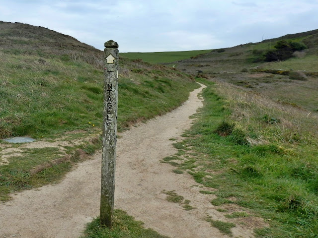 Footpath sign and footpath leading to Tintagel village, Cornwall