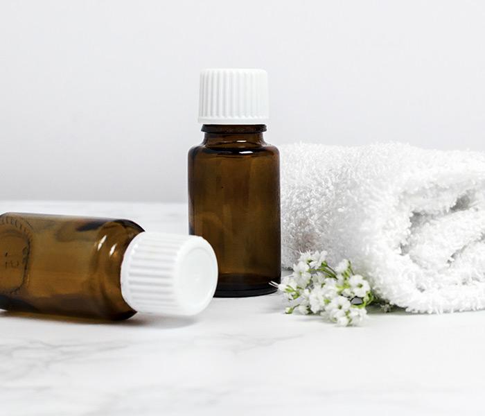 Como usar o óleo de rícino (ou óleo de mamona) nos cabelos e seus benefícios