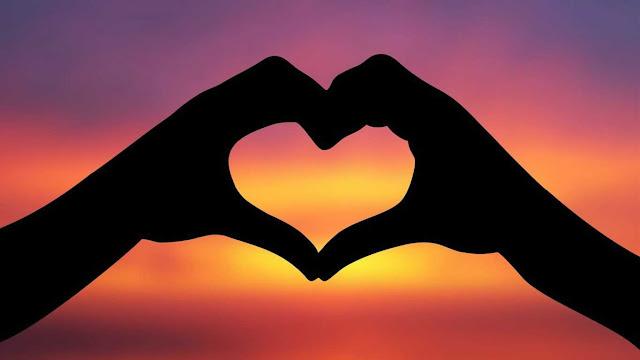 30 Kata Kata Cinta Romantis yang Penuh Makna