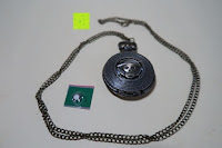 """Inhalt: AWStech Vintage """"one piece"""" Schädel Skelett Skull Quarz Tachenuhr Pocket Watch mit Halskette, Big Size, Beste Willkommen Geschenk"""