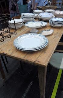mesa de granjs de el viejo almacen en el desembalaje de bilbao